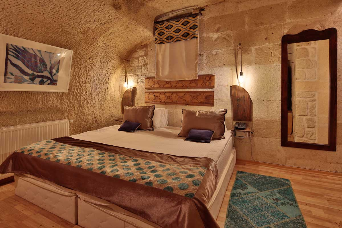 Room #55 – Deluxe Double Cave Room